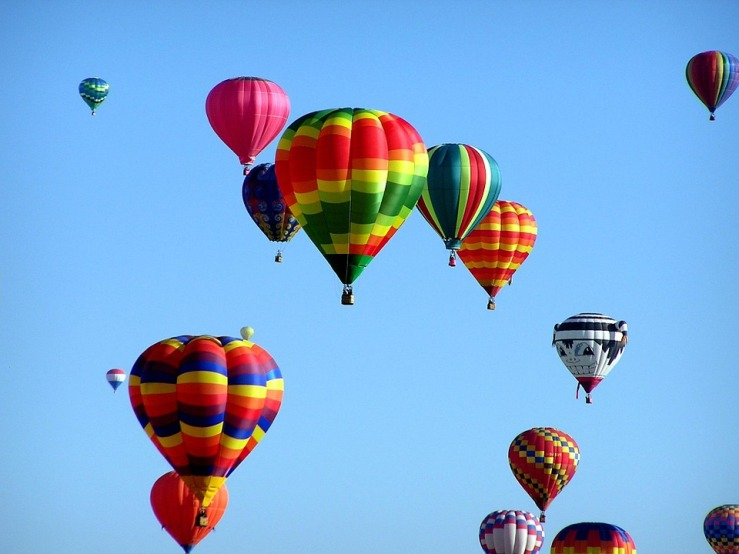 hot-air-balloons-439331_960_720.jpg